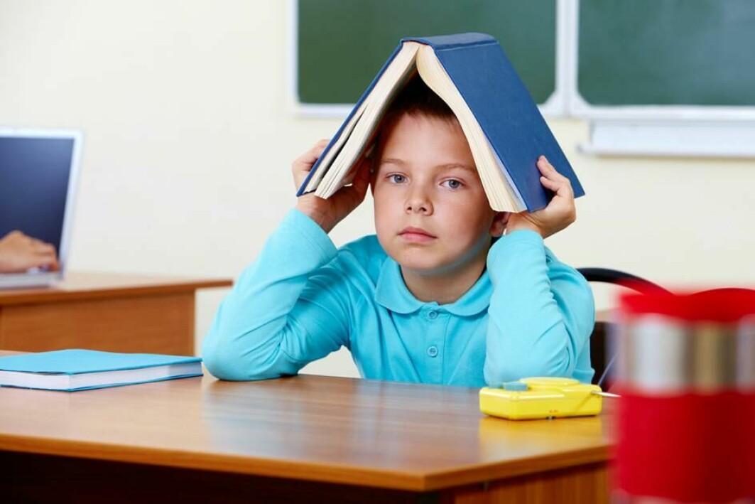 Elevar med ADHD kan ha vanskar med å konsentrera seg om skulearbeidet.