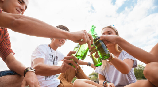 Ungdommer drikker mer hvis de er redd for å gå glipp av noe, viser norsk studie