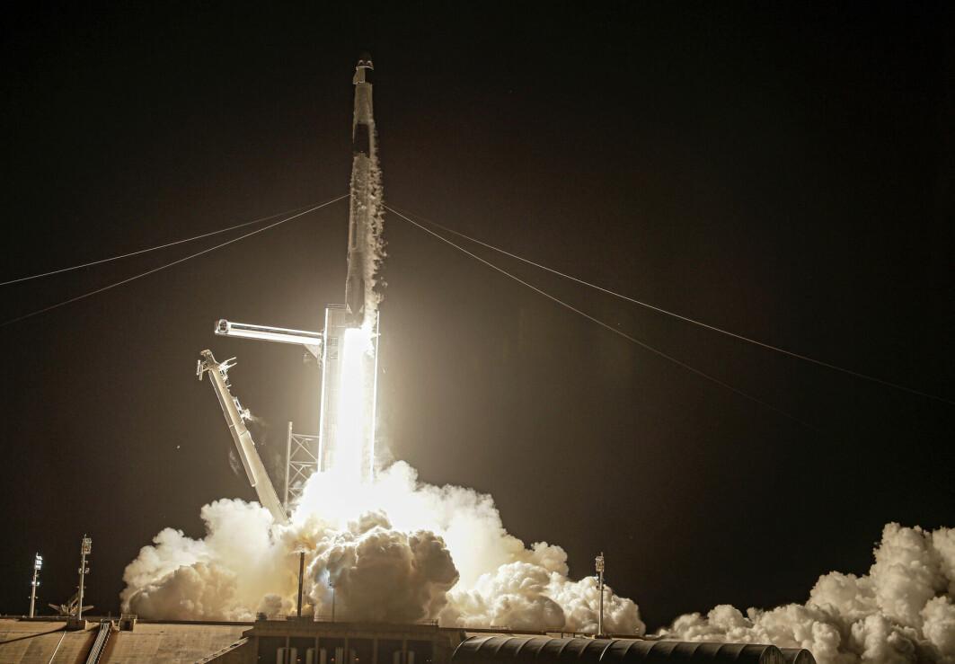 Den hvite skyen etter at SpaceX Falcon 9 ble skutt ut i verdenrommet 15 september er full av både CO2 og klimagassen NOx.