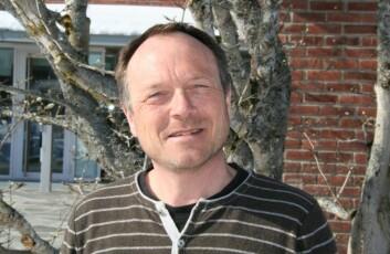 Arne Hermansen ved Bioforsk. (Foto: Elin Fugelsnes)