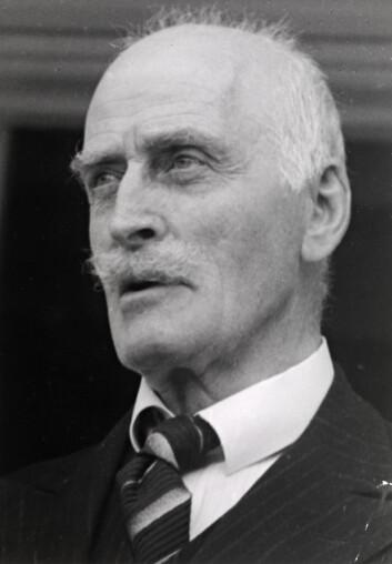 Knut Hamsun juli 1939. (Foto: Anders Beer Wilse. Eier: Nasjonalbiblioteket)