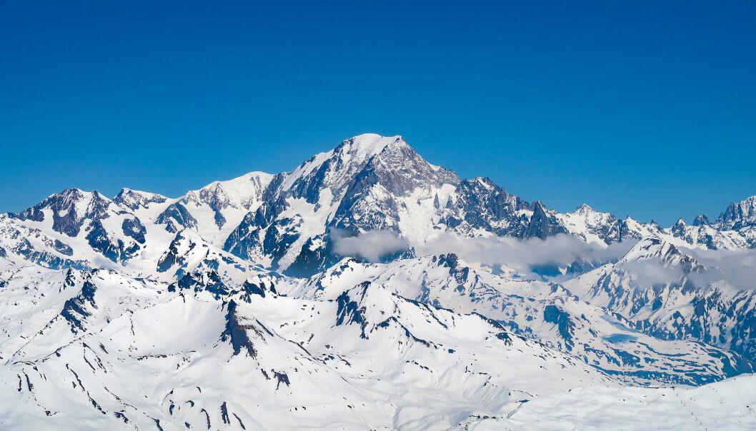 En gruppe franske eksperter har målt høyden til Mont Blanc, Vest-Europas høyeste fjell, til 4.807,81 meter. Det er nesten en meter lavere enn forrige måling.
