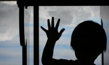 Omsorgsovertakelser etter familievold: Hvorfor benekter foreldre vold mot barn?