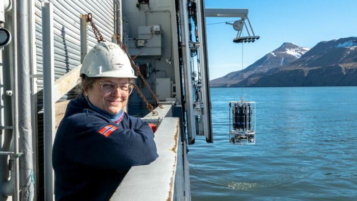 Havforsker Katrine Husum har sammen med kolleger rekonstruert havisutbredelsen slik den så ut helt tilbake til siste istid.