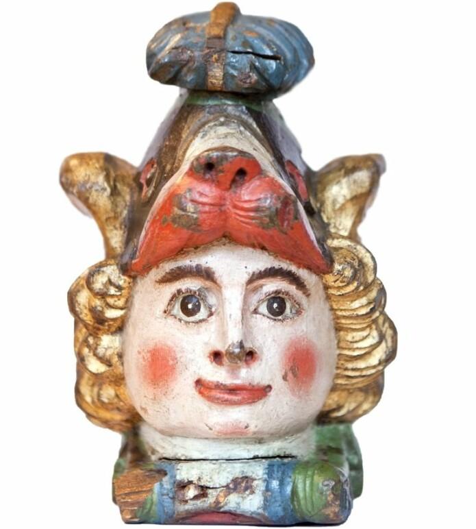 Rorhodet er antakeligvis laget på 1700-tallet, og måler omtrent 30 centimeter i høyde. (Foto: Elisabeth Tønnesen/ Stavanger museum)