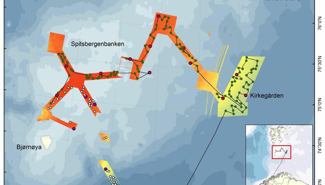 Seilingsruten 2 uker fra toktstart, med lokaliteter for videoobservasjoner og prøvetaking på havbunnen.