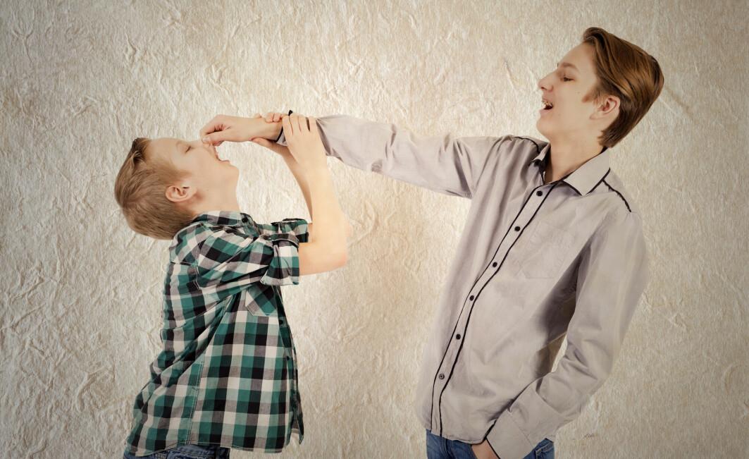 Søsken som mobber eller blir mobbet har mindre positive følelser og flere negative følelser senere i livet.