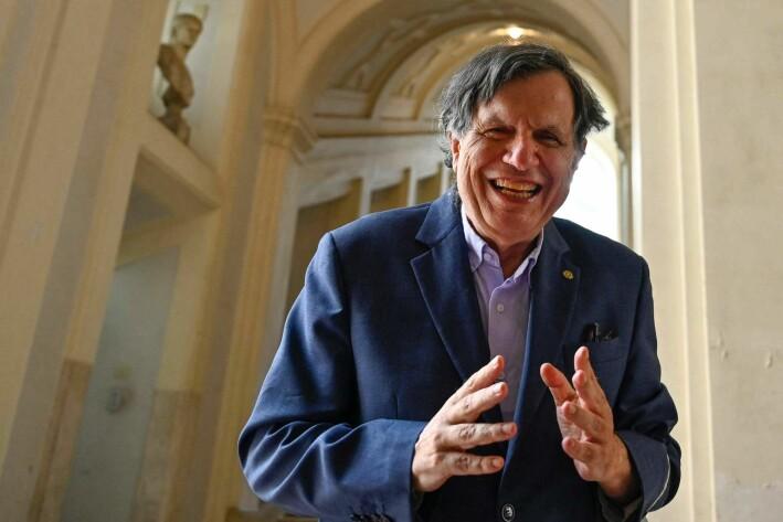 Giorgio Parisi er professor ved Sapienza Università di Roma og nå nobelprisvinner i fysikk. Her blir han fotografert i det han møter pressen på Accademia dei Lincei i Roma.