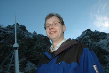 Jøran Moen, professor ved Fysisk institutt, UiO,er prosjektleder for raketten. (Foto: Yngve Vogt)