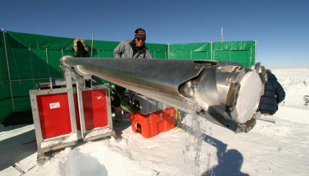 Iskjerner fra en norskamerikansk ekspedisjon i 2007-2009 inngår i studiet.