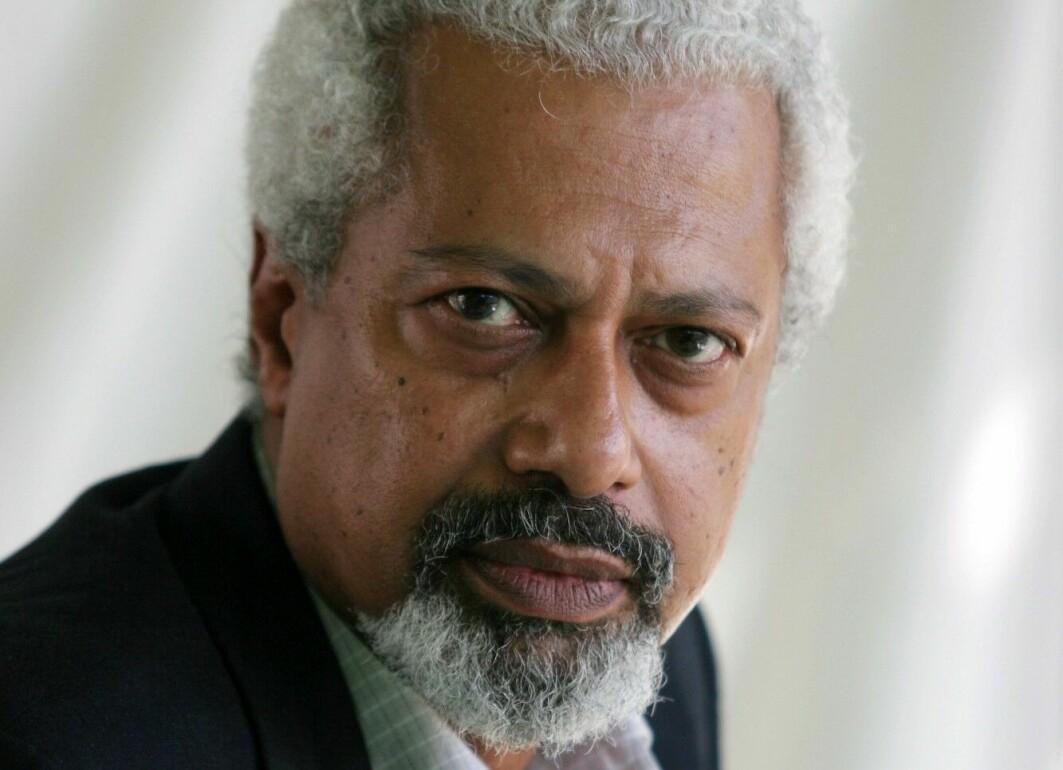 Abdulrazak Gurnah er født i 1948, og kom som flyktning til England som 18-åring etter revolusjonen på Zanzibar i 1964.