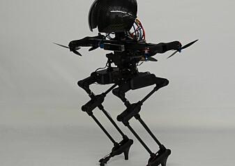 Denne roboten kan fly og stå på skateboard