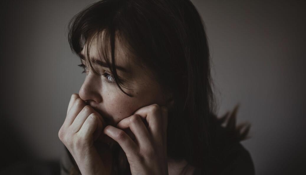 Symptomer på angst og depresjon økte i befolkningen under pandemien, men hva vet vi egentlig om hvorfor noen av oss slet mer enn andre?