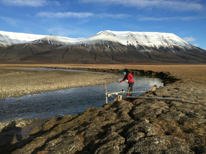 End of season-monitoring meltwater in the Adventdalen catchment.