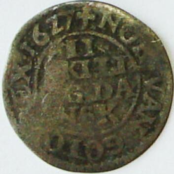 Mynt fra 1627. (Foto: Hilde Smedstad Moore/Anne Ytterdal)