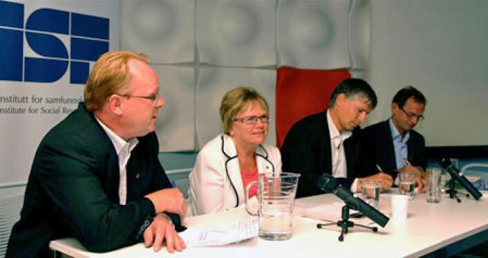 Panelet (fv): Per Sandberg (FrP), Magnhild Meltveit Kleppa (Sp), Ola Elvestuen (V) og Erling Lae (H)