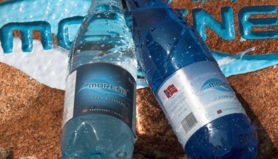 I design og navnevalg spiller produsentene av Morene kildevann bevisst på den geologiske opprinnelsen til vannkilden de tapper fra. (Foto: Morene kildevann)