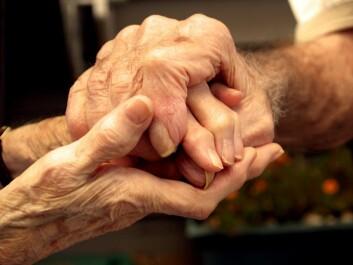Skjelving er et av de vanligste symptomene på Parkinsons sykdom. (Foto: Shutterstock)