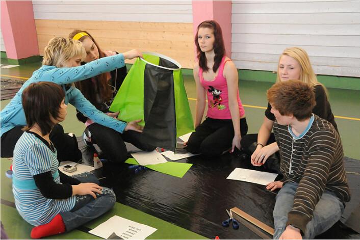 10.trinn på Bjørnevatn skole fikk besøk fra skole 9 i den russiske byen Zapolyarni. (Foto: Therese Hagfors)