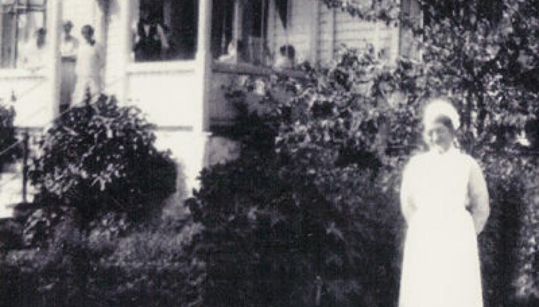 Bjørkelid Tuberkuloseheim i 1930 med styrerinne Ranveig Skjeldal. Foto: Utlånt av Ole Didrik Lærum