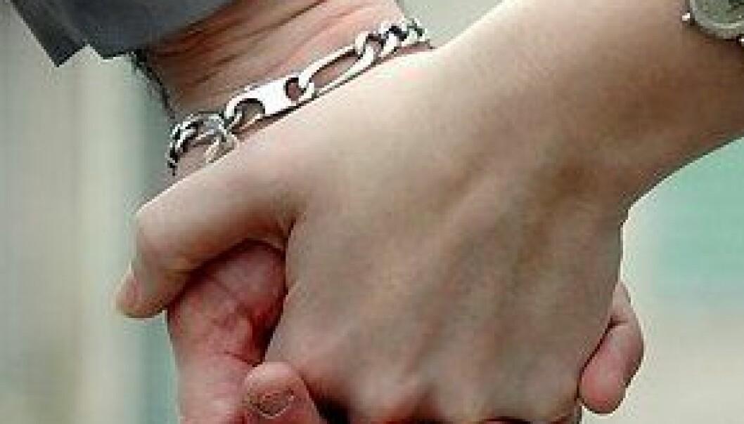 """""""Å vise kjærlighet fysisk kan kanskje være mer enn barehyggelig. (Illustrasjonsfoto: www.colorbox.no)"""""""