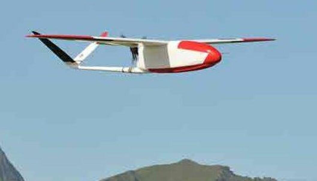 Ubemannet småfly som nylig har lettet fra Andøya Rakettskytefelt. (Foto: Kjell-Sture Johansen, Norut)