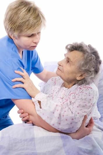 Personer med demens er ofte redde for omgivelsene og kan lett feiltolke en situasjon.