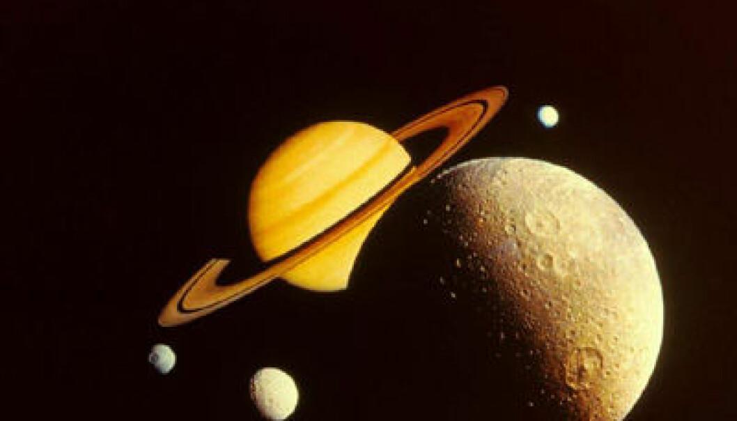 """""""Newton fant at gravitasjonen virket både på jorden og på himmellegemene."""""""