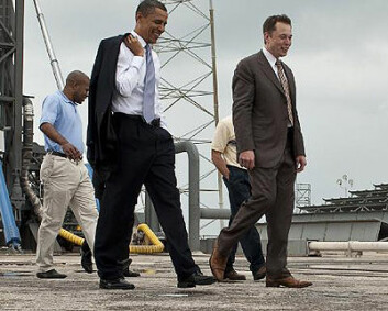 Obama og SpaceX-gründer Elon Musk på Cape Canaveral 15.april 2010. (Foto: NASA)