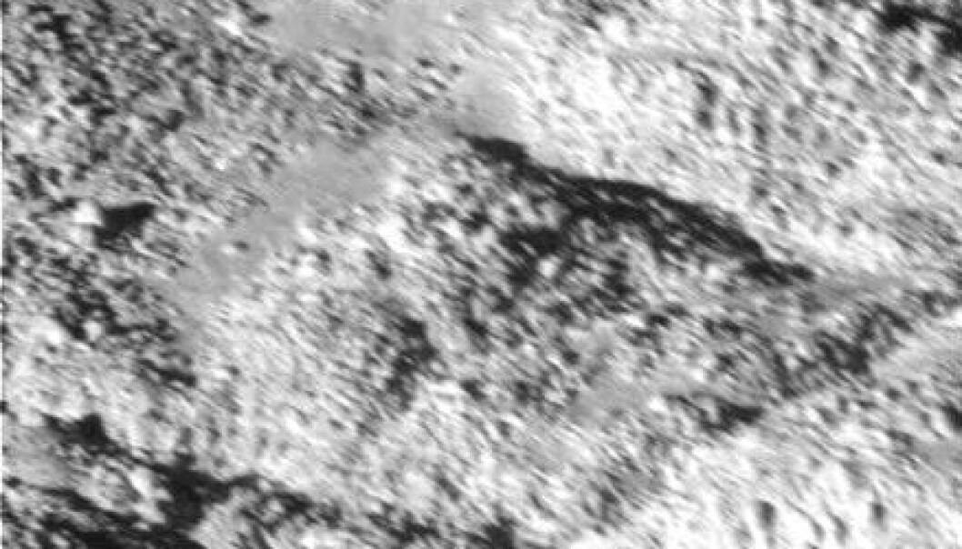 Flere mysterier på Enceladus