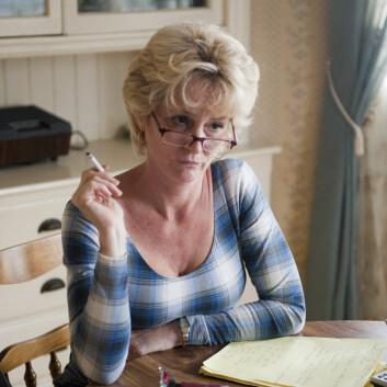 Melissa Leo som dominerende mor i filmen The Fighter (Foto: Nordisk Film Distribusjon AS)