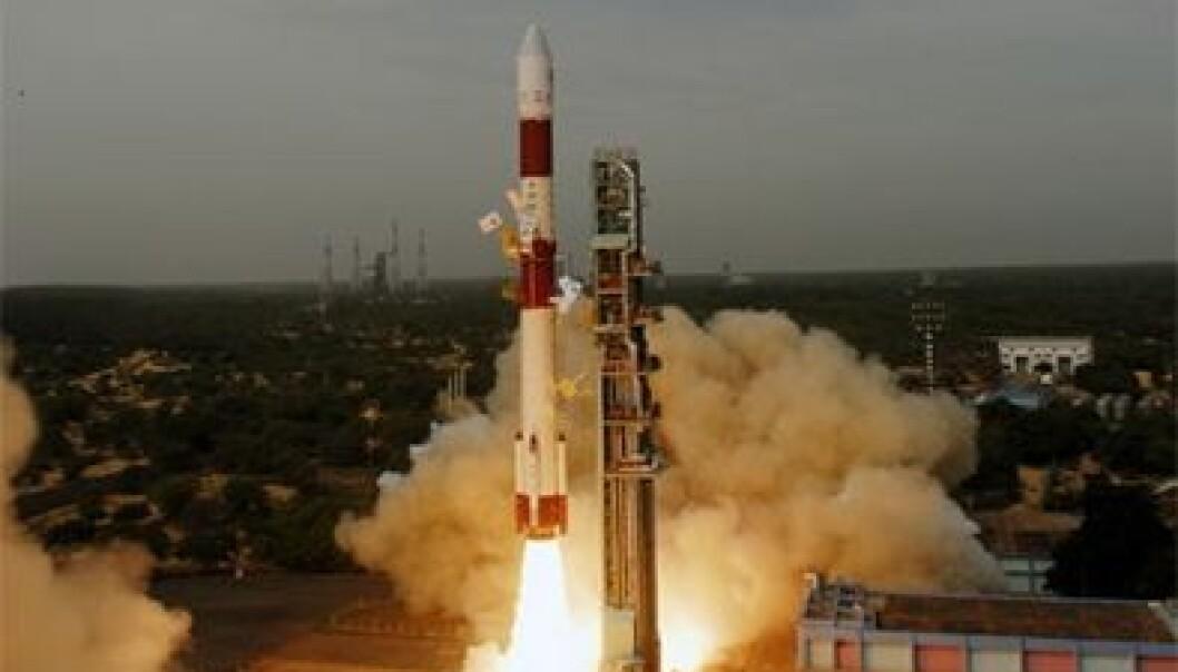 AISSat-1 ble fraktet ut i bane med den indiske bæreraketten PSLV-15. (Foto: ISRO)