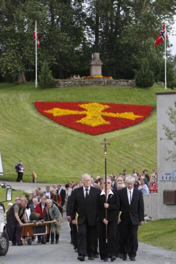 Prosesjon i regi av Den norske kirke. Legg merke til korsbæreren først i prosesjonen. (Foto: Leif Arne Holme)
