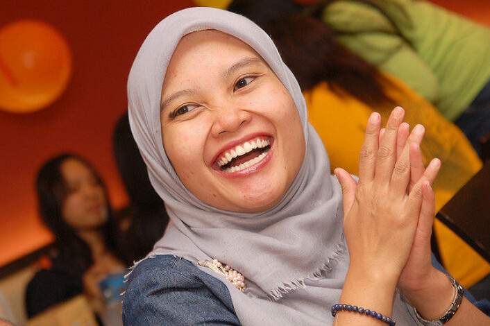 Man kan godt feste med familien sin og ha det morsomt uten å drikke, sier danske muslimer. Andre danske ungdommer kan kanskje lære noe. (Foto: amrufm (Flickr))