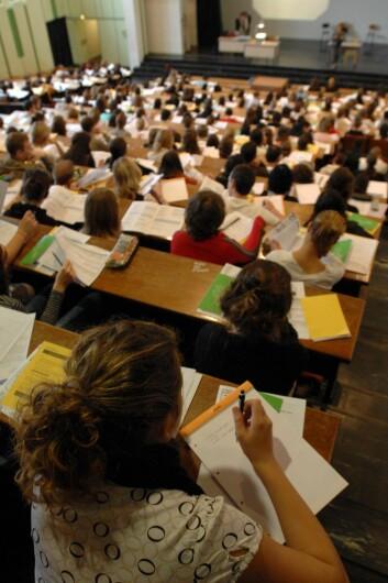 Ifølge sosiolog Marianne Dæhlen er verdiene studenter vektlegger i et yrke bestemt før de velger utdanning. (Illustrasjonsfoto: www.colourbox.no)