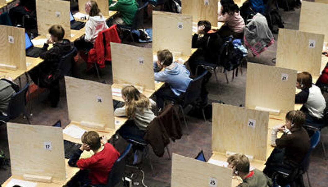 Som del av et eksperiment ved Norges handelshøyskole måtte 500 skolebarn og -ungdom finne ut hvordan de ville dele det de hadde tjent. Eksperimentet undersøkte både viljen til å dele og oppfatningen av hva som er rettferdig. (Foto: Knut Egil Wang)