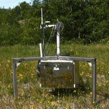 Sensorer som denne plasseres i og rundt fjellet St. Helens. En dag kan de ble brukt til å raskt registrere et utbrudd som er på vei. (Foto: JPL/NASA)