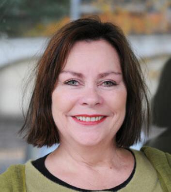 HiO-forsker May-Britt Solem mener barne- og ungdomspsykiatrien (BUP) som regel er for opptatt av å bare se på barnas symptomer, og etterlyser en mer helhetlig kartlegging rundt familienes livssituasjon.