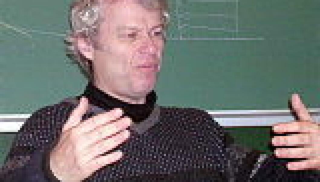 """""""Peder Tyvand forklarer om strømningene i havet."""""""