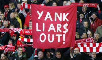 Liverpool-supportere protesterer mot klubbens tidligere eiere, amerikanerne Tom Hicks og George Gillett. (Foto: Tim Hales/Scanpix)