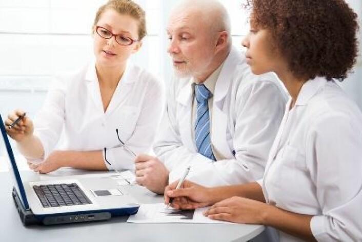 Mindre behov for legebesøk er blant gevinstene hvis flere helseproblemer kan løses via internett.  Foto: Shutterstock
