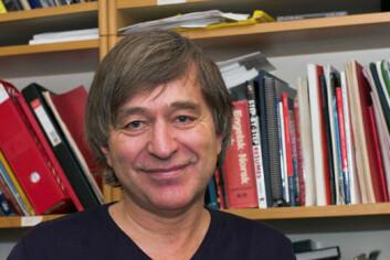 Førsteamanuensis Jan Emil Tveit ved institutt for fagspråk og interkulturell kommunikasjon ved NHH.