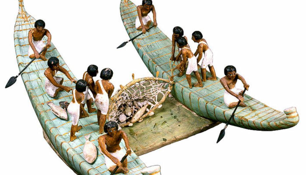 Er dette verdens første trål? Modell fra om lag 2000 f. Kr. funnet i gravkammer fra Egypts Mellomrike. Tilapia og multefisk var blant artene som ble fanget i Nilen. (Foto: Egyptian Museum Cairo og Global Egyptian Museum)