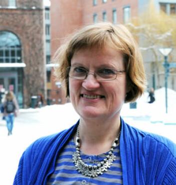 Forsker Anne Greve er skeptisk til store basebarnehager fordi de yngste barna har lett for å bli oversett.