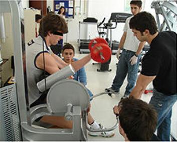 Profesjonelle idrettsutøvere som tok albubøy med 75 prosent av maksimal belastning, økte prestasjonen etter at de fikk laserbehandling på biceps. (Foto: Ernesto Leal Junior)