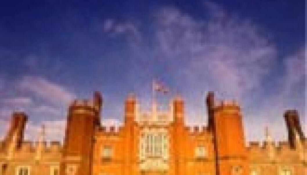 """""""Et av Storbritannias mest hjemsøkte steder; Hampton Court Palace i Surrey."""""""