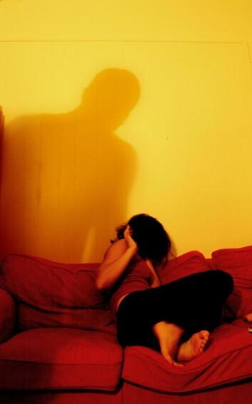 Vold og trusler om vold er blant de negative konsekvensene nære pårørende av alkoholmisbrukere kan oppleve.