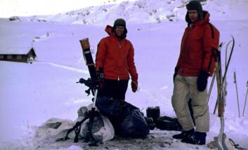 Snøskredveteranene Steinar Bakkehøi (t.v.) og Karstein Lied kom til NGI i henholdsvis 1973 og 1972. Bakkehøi er meteorolog mens Lied er geomorfolog, begge fra Universitetet i Oslo. (Foto: NGI)