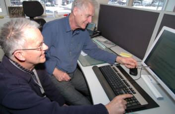 Steinar Bakkehøi og Karstein Lied i dag. Utstrakt bruk av dataverktøy er en viktig del av hverdagen for skredforskere - i tillegg til befaringer i felt. (Foto: NGI)