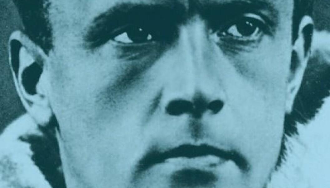 Utsnitt av forsiden på Helge Ingstad: En biografi av Frode Skarstein, Spartacus Forlag